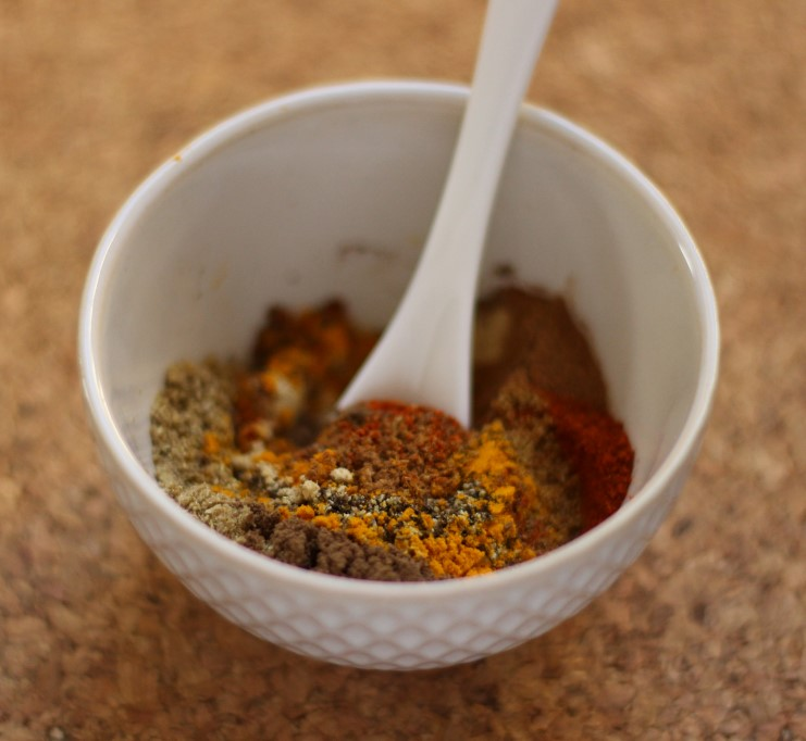 Quick Moroccan Spice Rub - 8-ingredient mix that is delicious for adding exotic flavours #Vegan #Spice