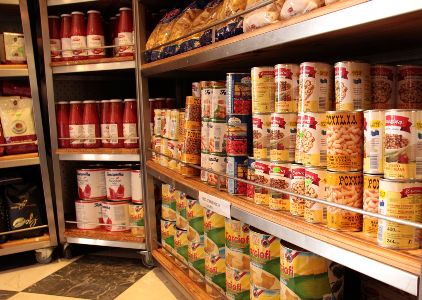 Tinned beans and tomatoes at Cremalat
